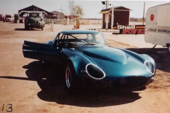 13 Jaguar XKE