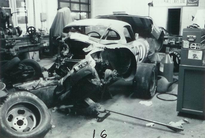 16 Jaguar XKE